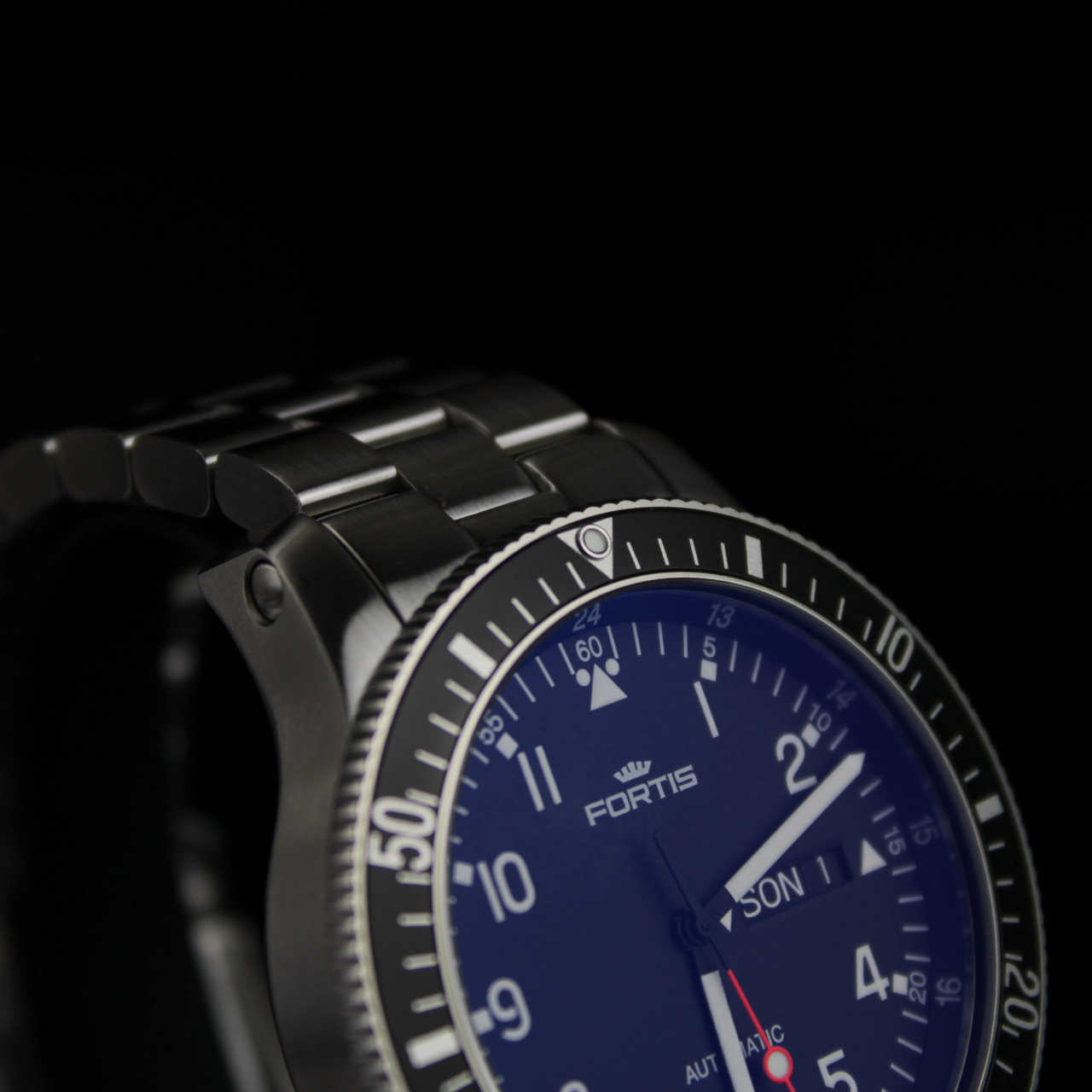 Fortis OFFICIAL COSMONAUTS DAY-DATE, 647.10.11