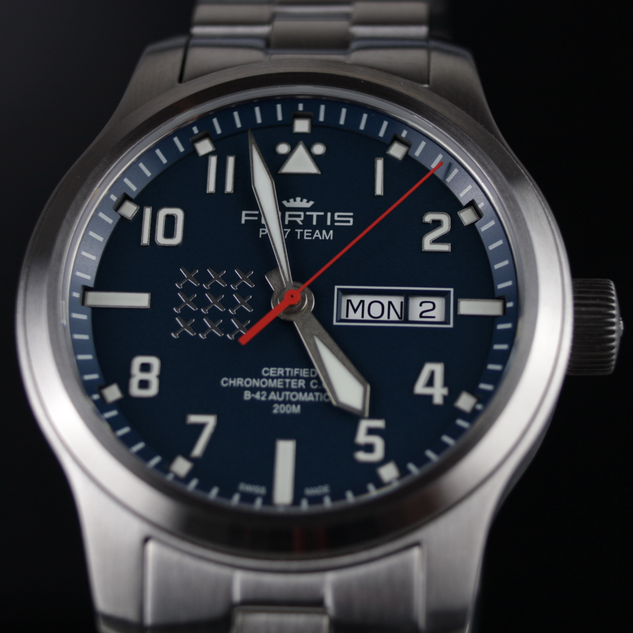FORTIS AEROMASTER PC7 EDITION DAY-DATE, 655.10.55